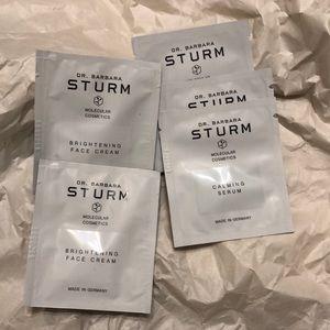 Dr Barbara Strum Calming serum brightening face